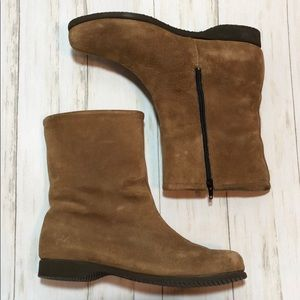 Hush Puppies Tan leather booties